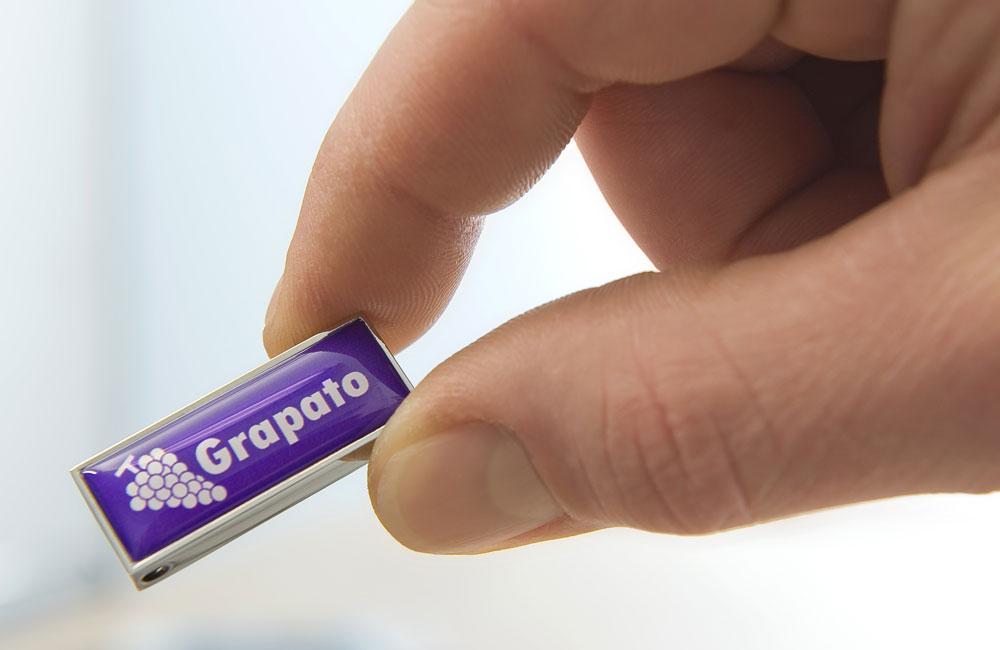 USB Stick Solid Twist personalisiert mit Logo - klein, handlich, edel