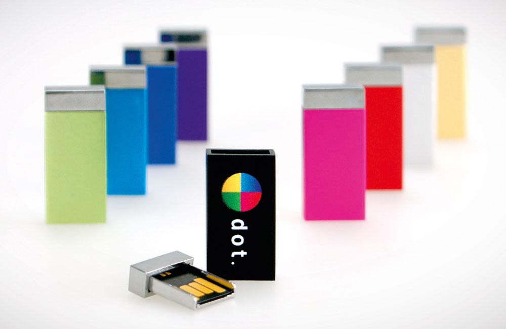 USB Stick Milan in neun leuchtenden Farben lieferbar